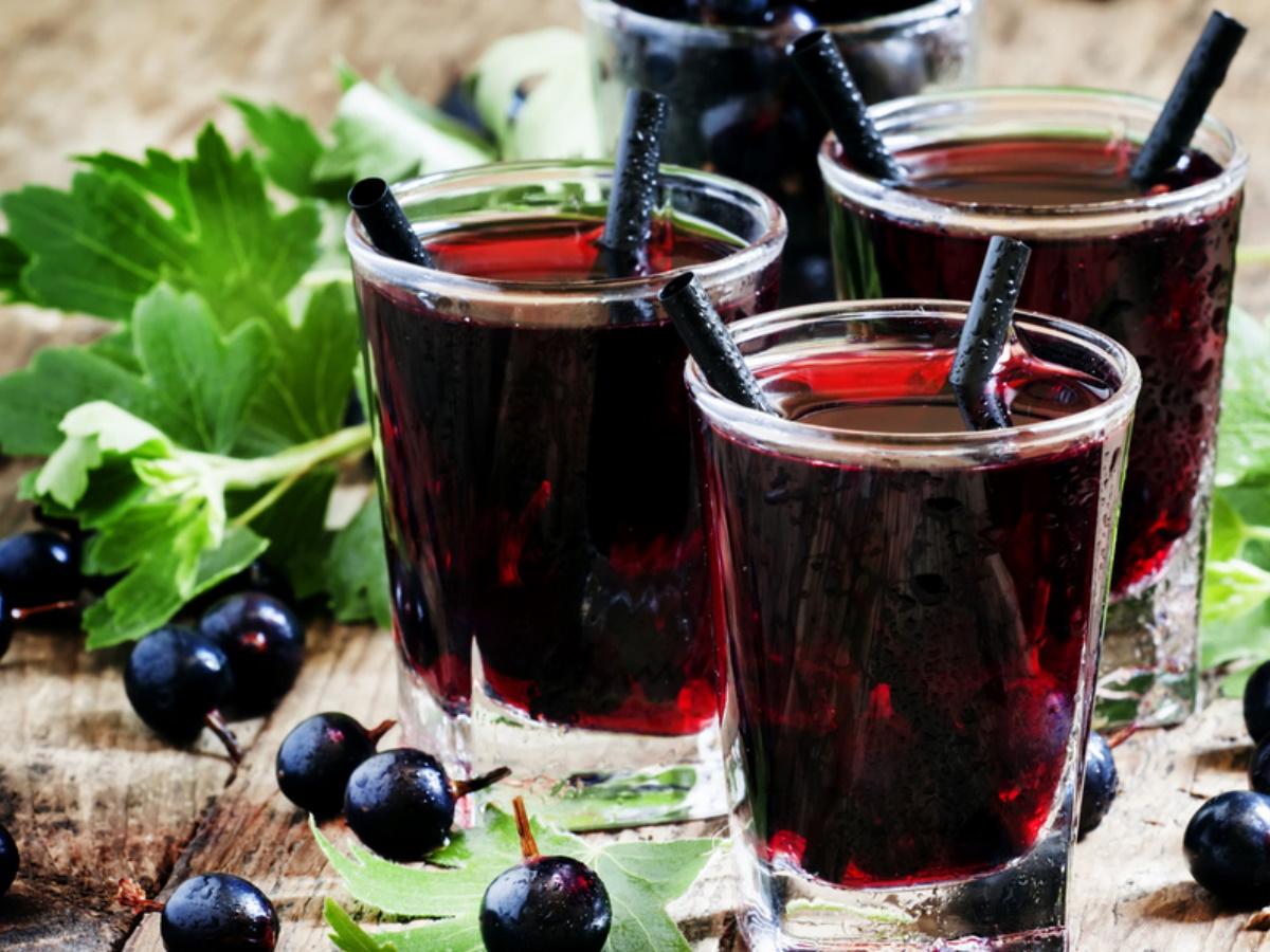 Напиток из черной смородины