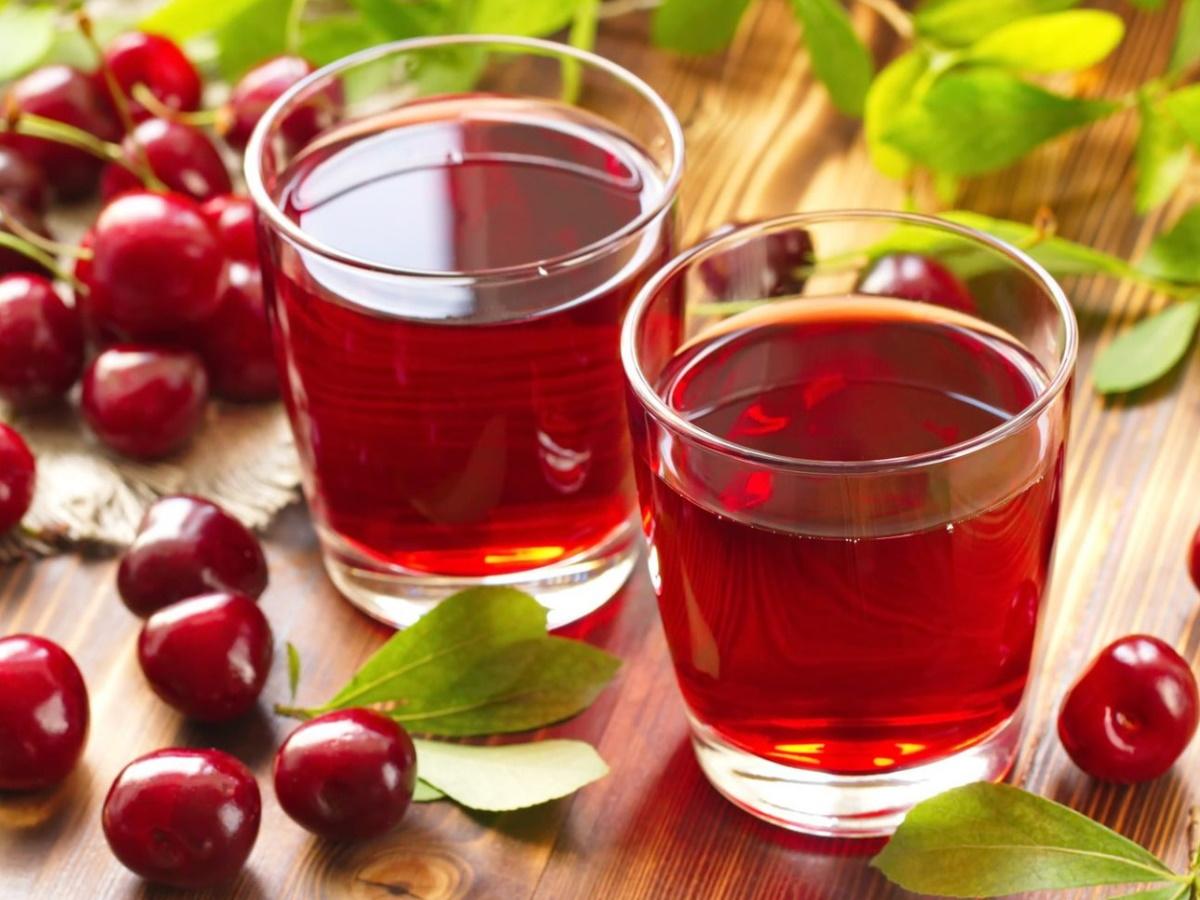 Напиток из вишневого сиропа